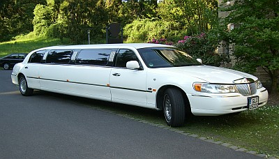 Lincoln Superstretch Limousine Moon